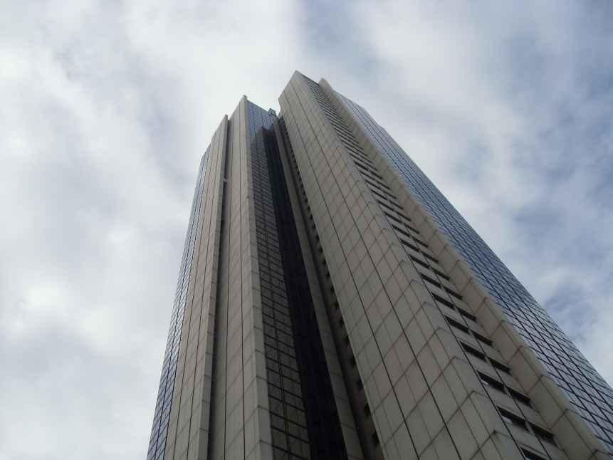 Más de 500 deportistas subieron 41 pisos de la Torre de Cali