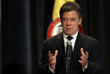 Ministros en pleno presentaron su renuncia al presidente Juan Manuel Santos
