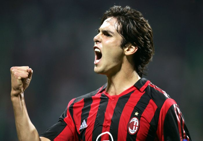El buen hijo regresa a casa, después de cuatro años Kaká vuelve al Milán