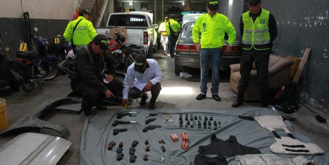 Seguimiento policial permitió hallar armamento y vehículos blindados