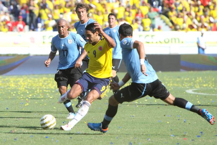 El 2-0 de Uruguay sobre Colombia aplazó la clasificación al mundial