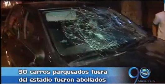 Vándalos arremetieron afuera del estadio Pascual Guerrero