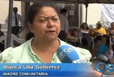 Madres comunitarias claman por devengar un salario mínimo