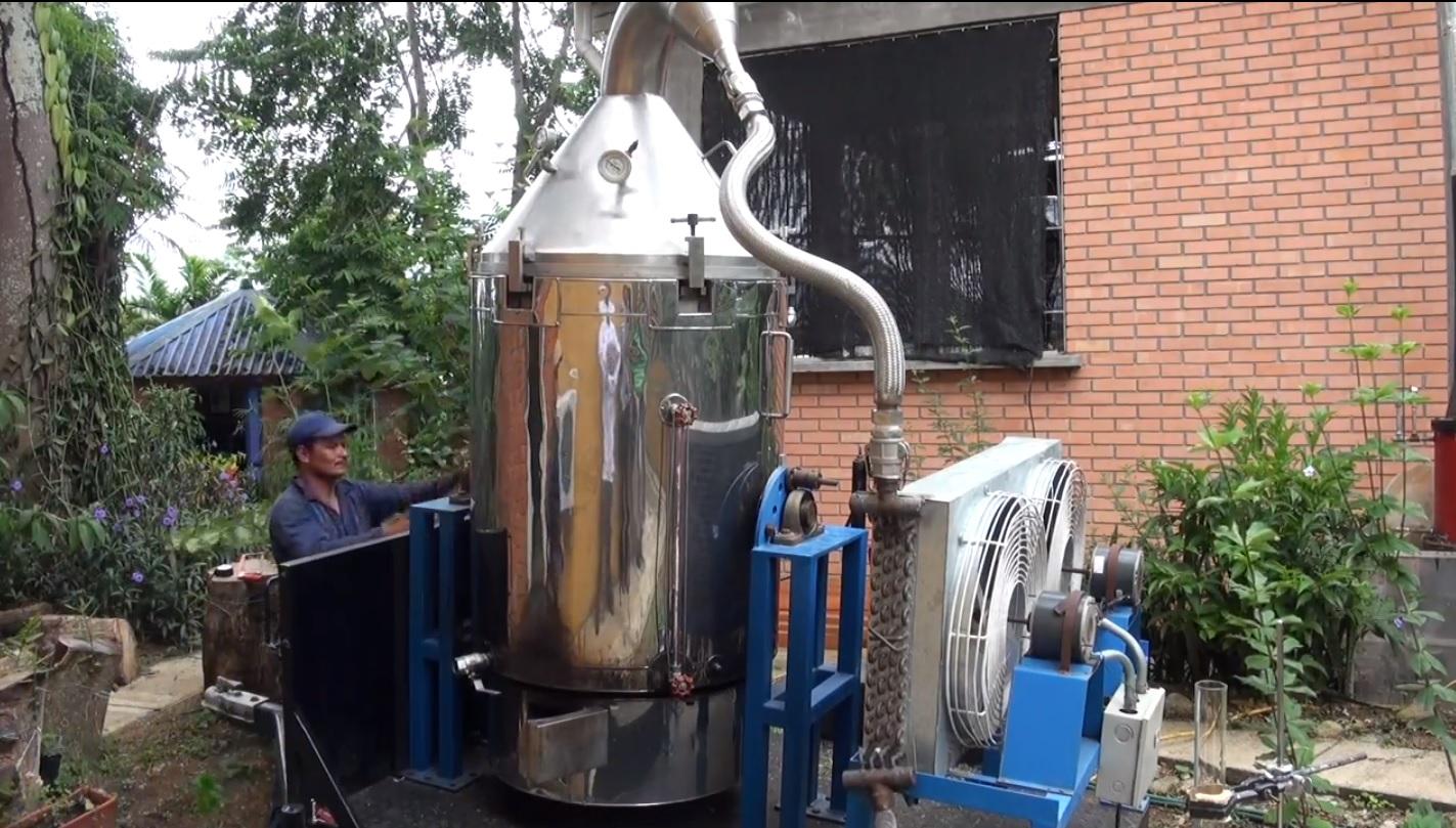 Colombia Innova: inventan destilador portátil de perfumes