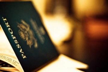 Gobierno francés deportará a inmigrantes sin documentación legal