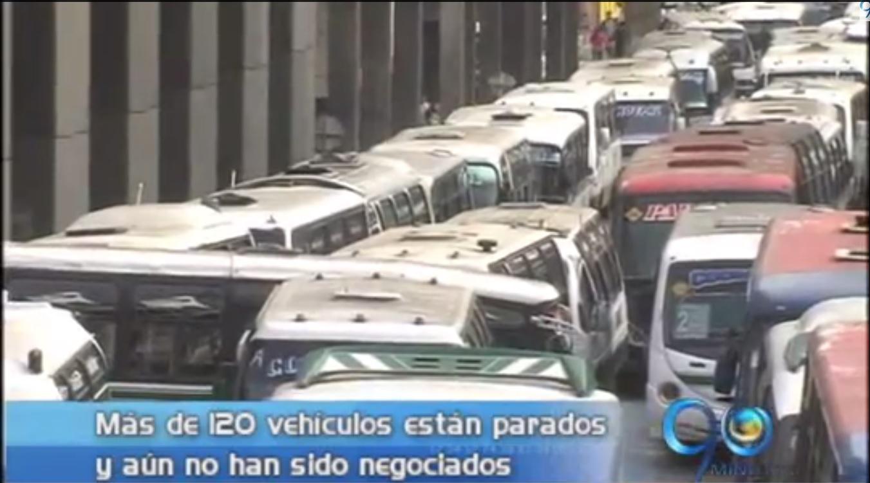 Transportadores levantaron bloqueos pero continúan en negociaciones