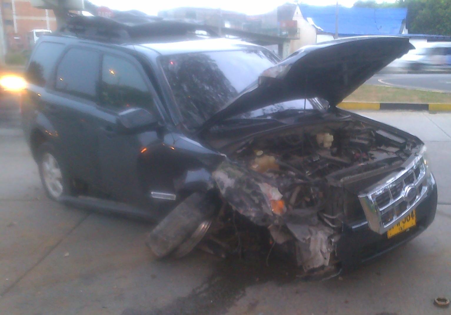 El actor John Mario Rivera sufrió un accidente en su vehículo
