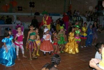 Reclusos de Villahermosa celebran con sus hijos el Día de los Niños