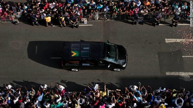 Nelson Mandela será sepultado hoy en su pueblo Qunu