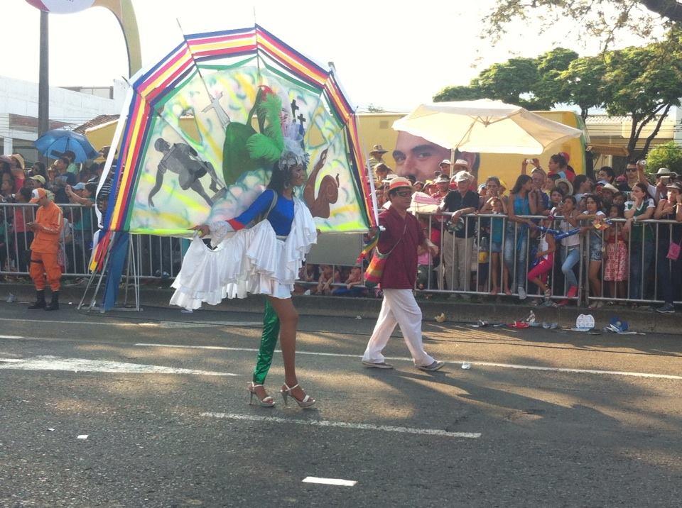 El Cali viejo fue un homenaje de baile y color para la ciudad