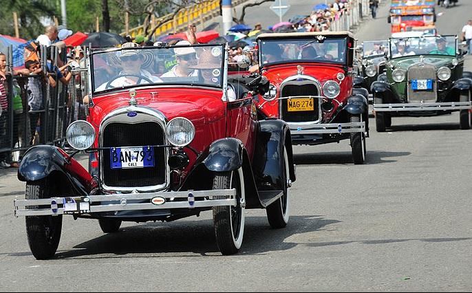Desfile de Autos Clásicos, un paseo por la historia del transporte