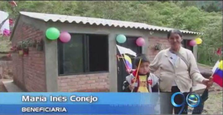 Banco Agrario entregó viviendas a campesinos de Totoró