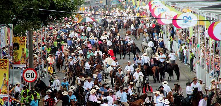 A 'paso fino' y música se vivió el segundo día de la Feria