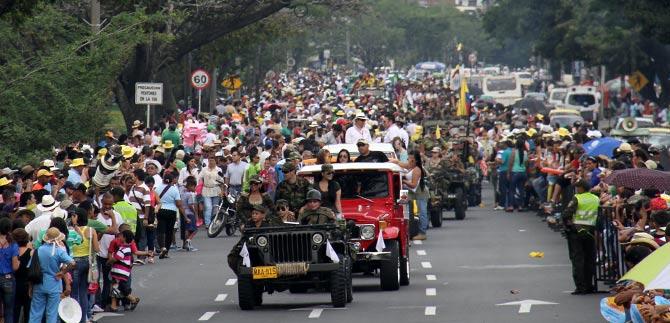 El Desfile de Autos Clásicos y Antiguos fue un plan familiar perfecto