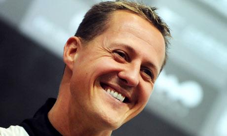 Médicos despiertan poco a poco del coma a Michael Schumacher
