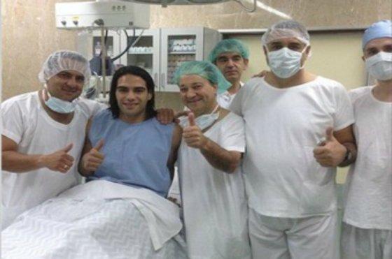 Operan al 'Tigre' Falcao con éxito y comienza su carrera para poder estar en Brasil