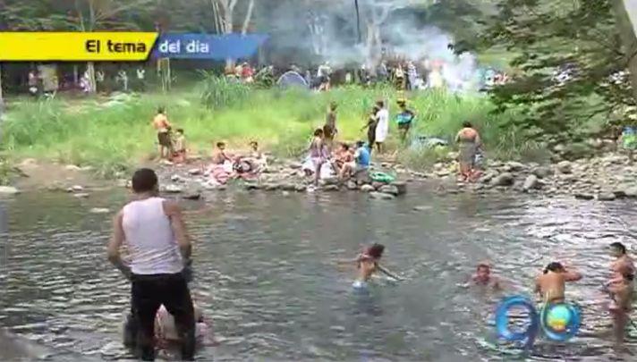 La falta de agua llevó a los caleños al río Pance