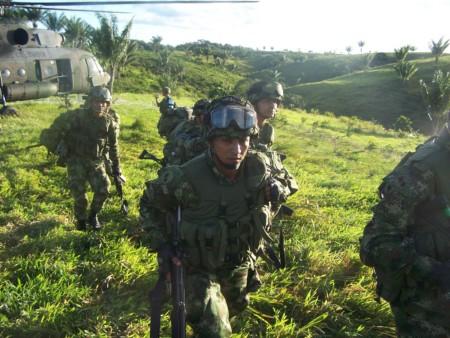 Fuerza Aérea atacó en  Tame un campamento de las farc