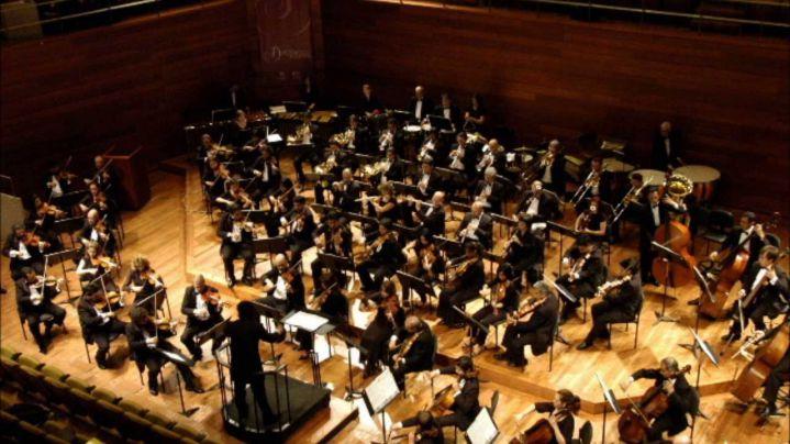 Orquesta Filarmónica de Londres tendrá director paisa