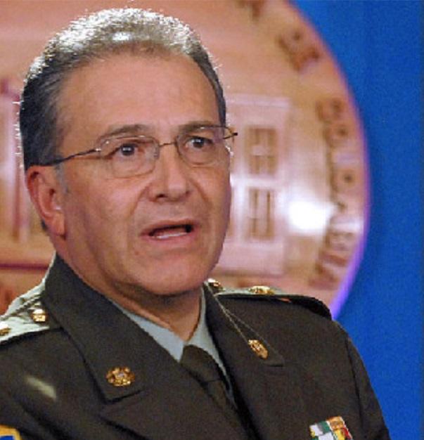 General Naranjo denunciado por crear grupos paramilitares mejicanos