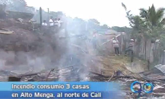 3 casas consumidas por incendio al norte de Cali