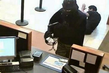 Asaltantes roban Banco en Italia con armas de juguete
