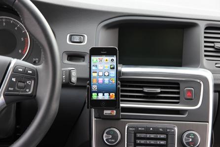 Aplicación hace que autos se estacionen solos