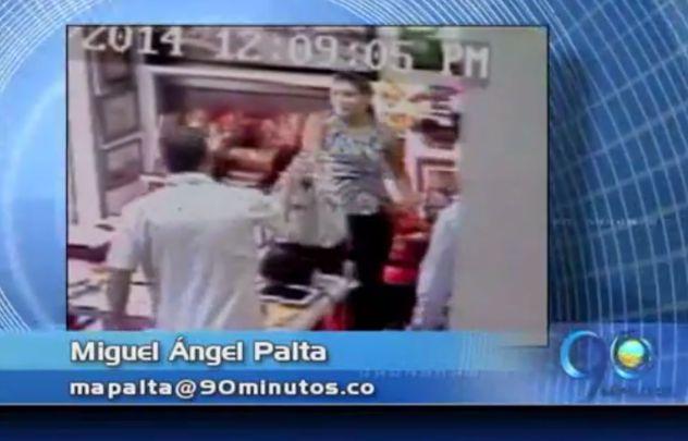Captan en video a pareja de ladrones en Cali