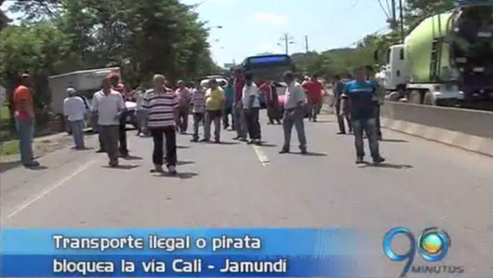 Transportadores piratas bloquearon vía Cali – Jamundí