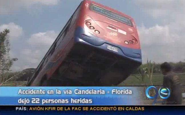 Veintidós heridos deja accidente de bus en vía Florida – Candelaria