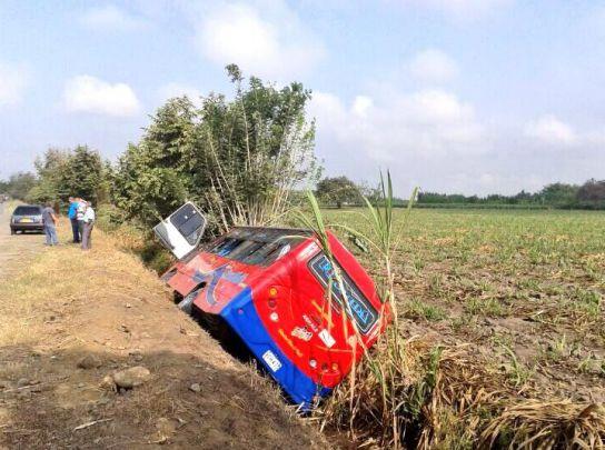 22 personas heridas deja accidente en la vía Cali-Candelaria