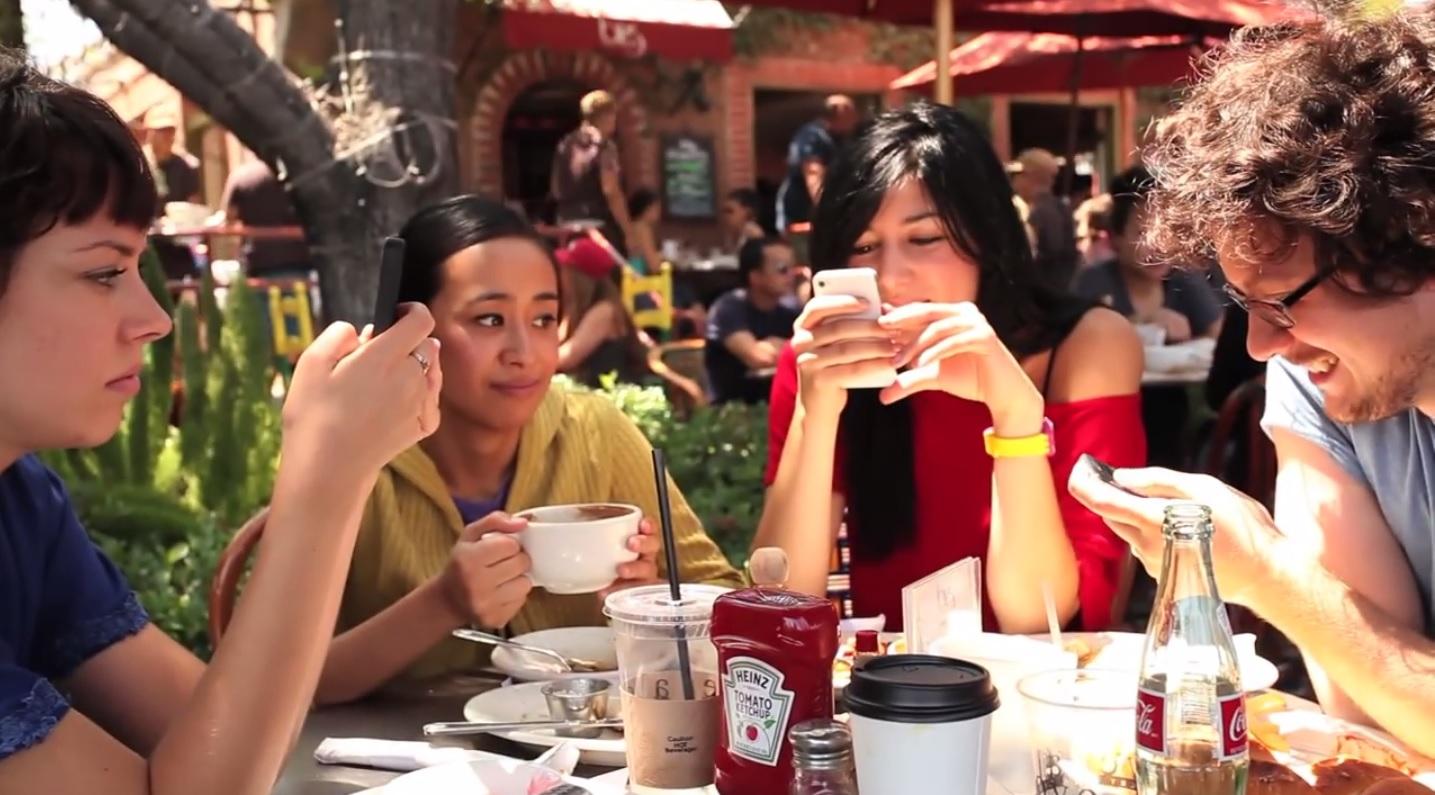 Curiosa campaña para concientizar sobre uso del smarthphone