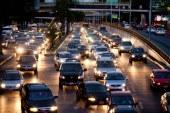 Autos inteligentes se comunican para evitar accidentes en EE.UU.