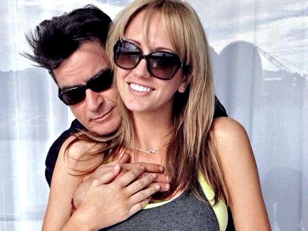 Charlie Sheen se casaría con la exactriz porno Brett Rossi