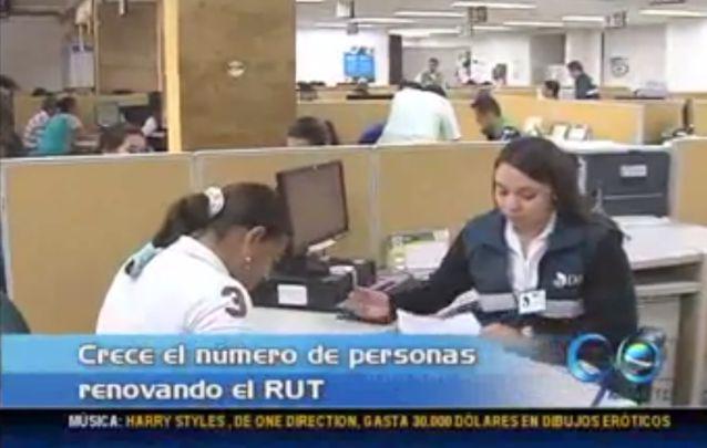 Crece congestión en oficinas de la Dian por expedición del RUT