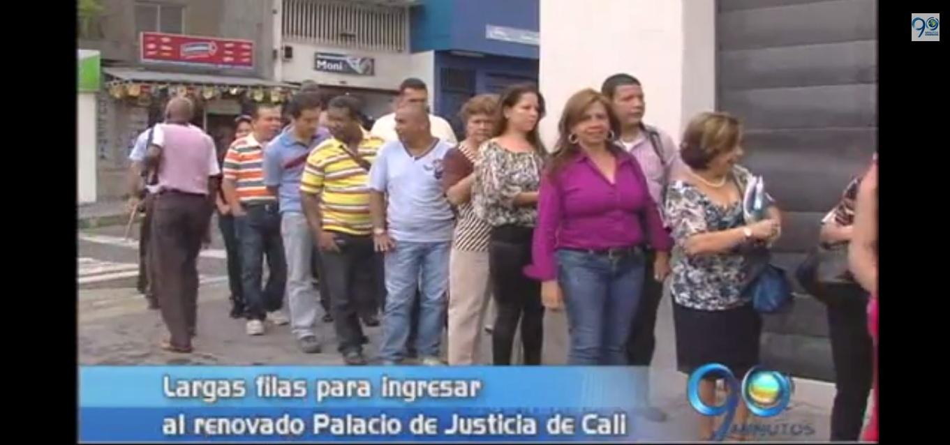 Largas filas para ingresar a audiencias en el Palacio de Justicia