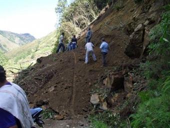 Un muerto y varias personas desaparecidas por alud en Balboa, Cauca.