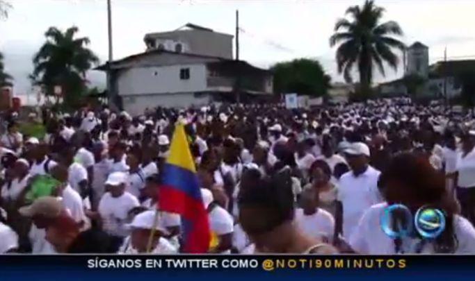 Quince mil personas marcharon en Buenaventura por la paz