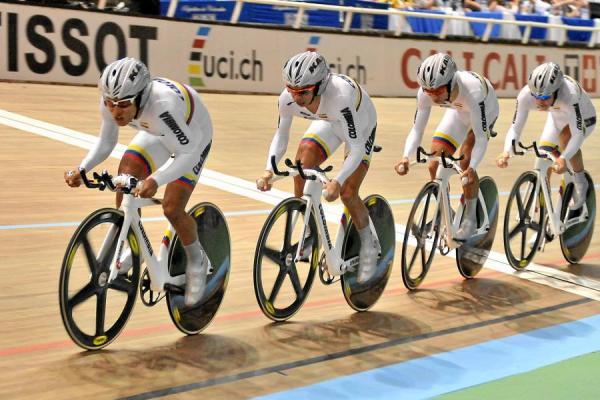 Mundial de Ciclismo inició con la Prueba de Persecución por Equipos