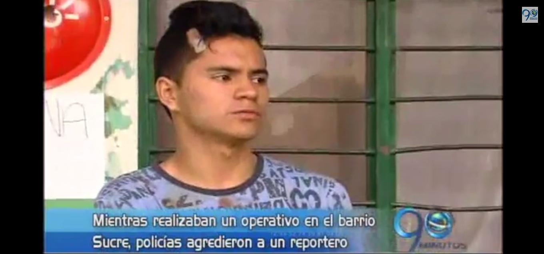 Periodista denunció agresión de policías por su trabajo