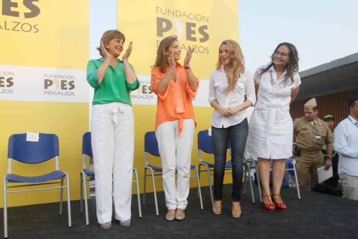 Shakira inauguró junto a su hijo un colegio en Cartagena