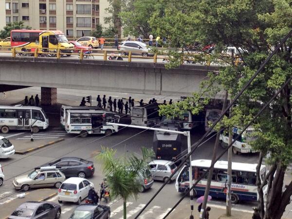 Bloquean Autopista con 56 por protestas de transportadores de Coomoepal