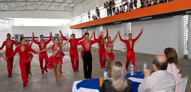Bailarines de Cali estrenan centro de entrenamiento