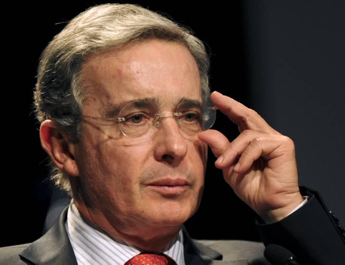 Álvaro Uribe es el primer Senador elegido