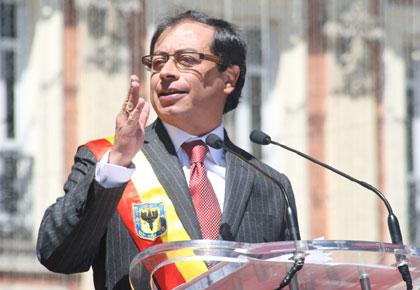 Santos deja en firme destitución de Gustavo Petro