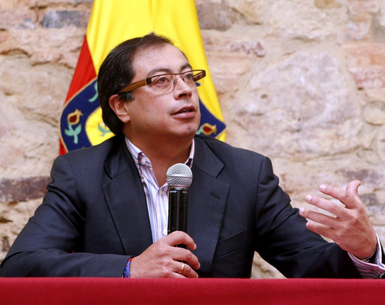 Gustavo Petro fue restituido como Alcalde de Bogotá