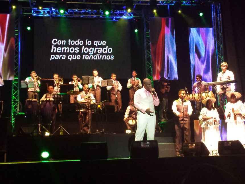 La fe y la salsa de Willy García, conquistaron a la sucursal del cielo