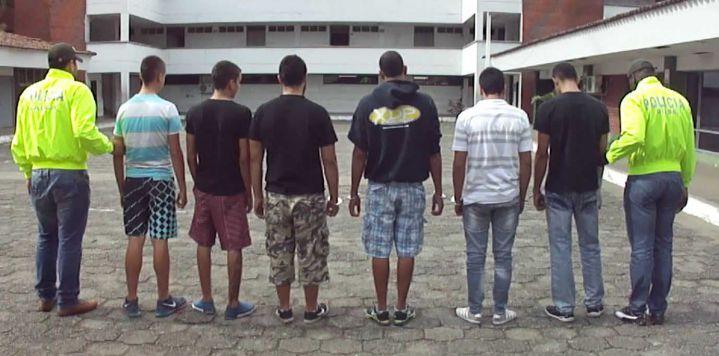 Siete adultos y cuatro menores capturados por extorsión