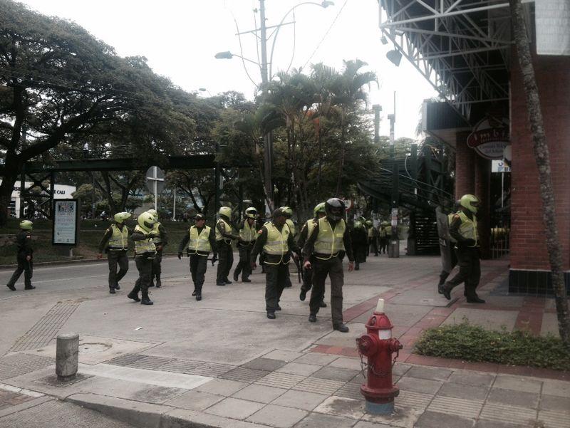Controlan disturbios en Universidad Santiago de Cali