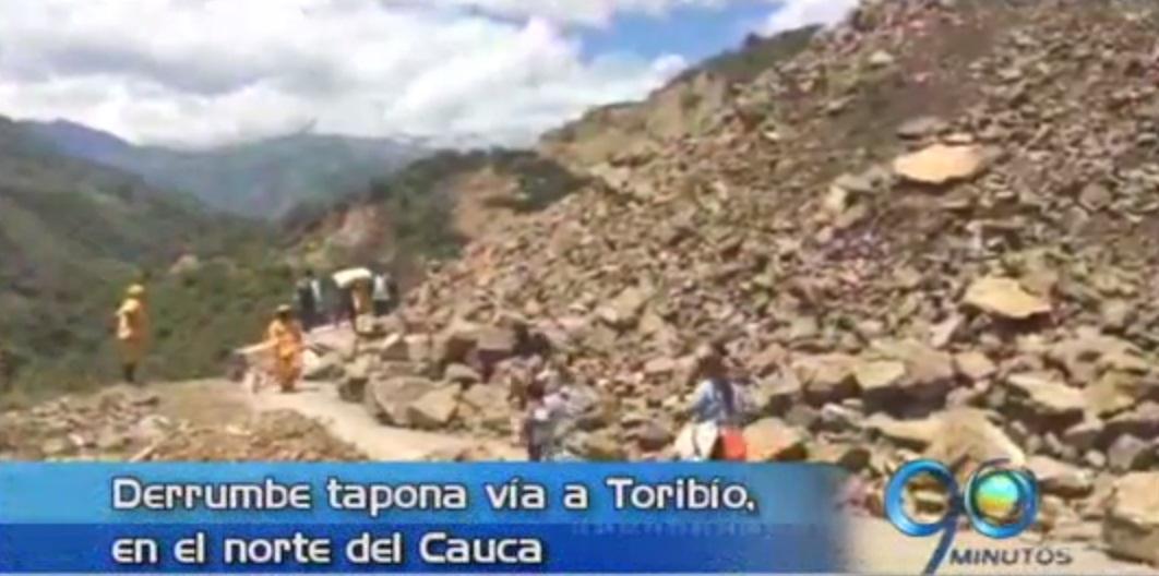 Derrumbe tapa vía en Toribío